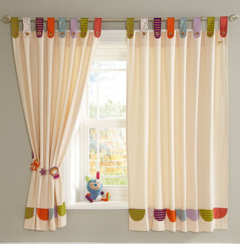 Como hacer cortinas con tiras tambi n llamadas trabillas for Como colgar cortinas con ganchos