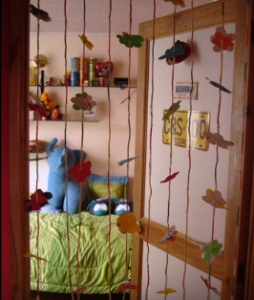 Como hacer unas cortinas originales paso a paso reciclando - Cortinas originales para dormitorio ...