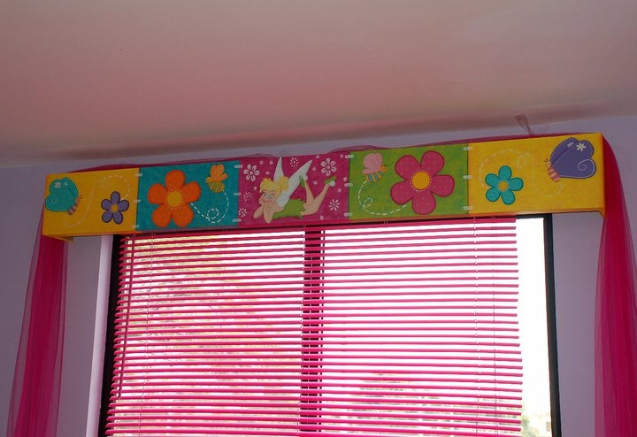 marca la pared con el lpiz como hacer cenefas infantiles
