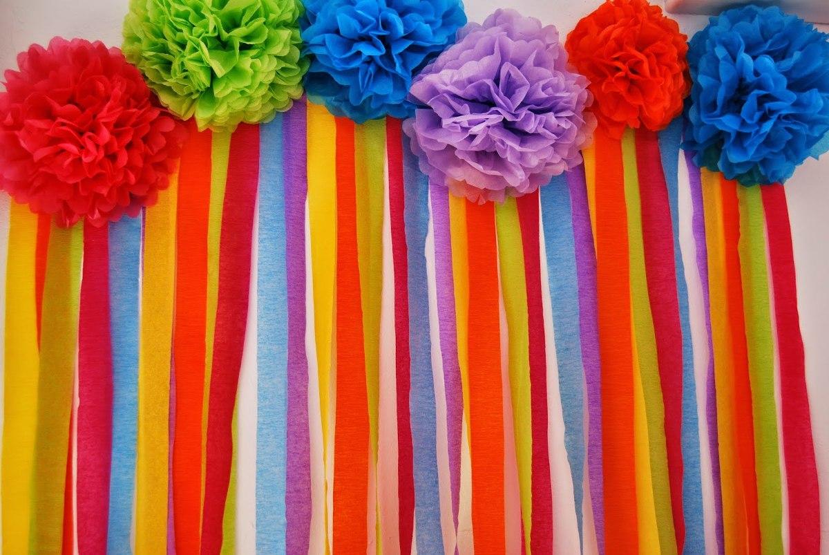 Como hacer cortinas para fiestas usando papel crepe for Como hacer decoraciones para paredes