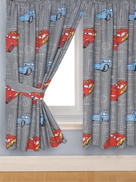 C mo hacer cortinas infantiles para el cuarto de tu peque o for Cortinas para aulas