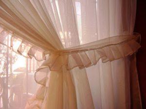 Cómo hacer cortinas románticas