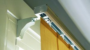 como hacer cortinas verticales
