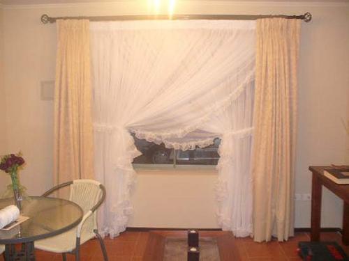 C mo hacer visillos cruzados con tela muy liviana para tu - Hacer cortinas en casa ...